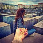 1572904-au-memorial-de-l-holocauste-a-berlin[1]