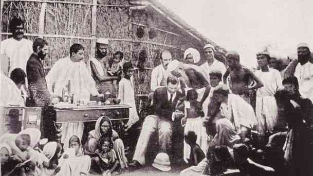 Waldemar Haffkine Peste bubonique Bombay 1897.jpg